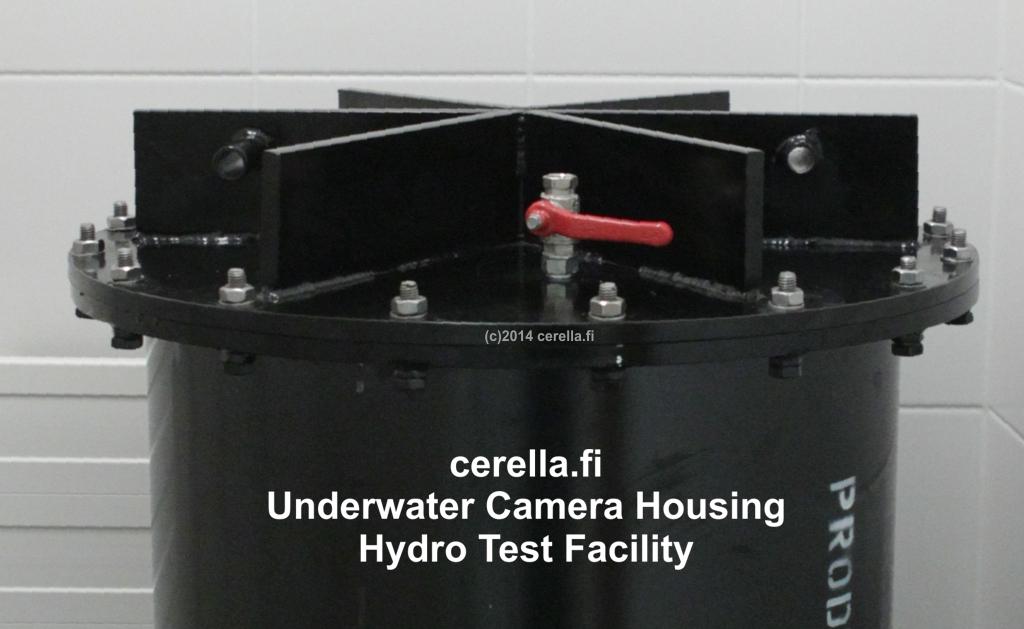 CU1F9452 Cerella.fi Hydrotest Top